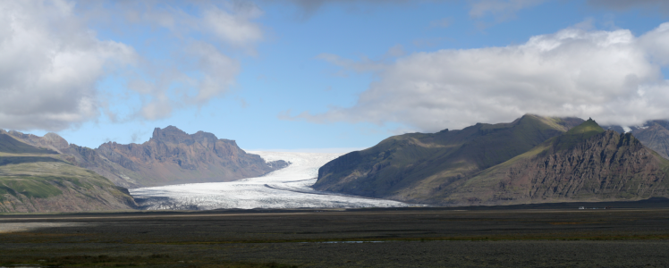 """Skaftafellsjökull From Ring Road"" by Ira Goldstein - Own work. Licensed under CC BY-SA 3.0 via Commons"